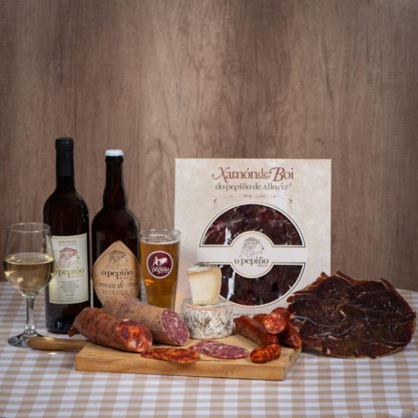 Pack Ourense O Pepiño bodegón con jamón de buey, cerveza artesana, queso y embutidos